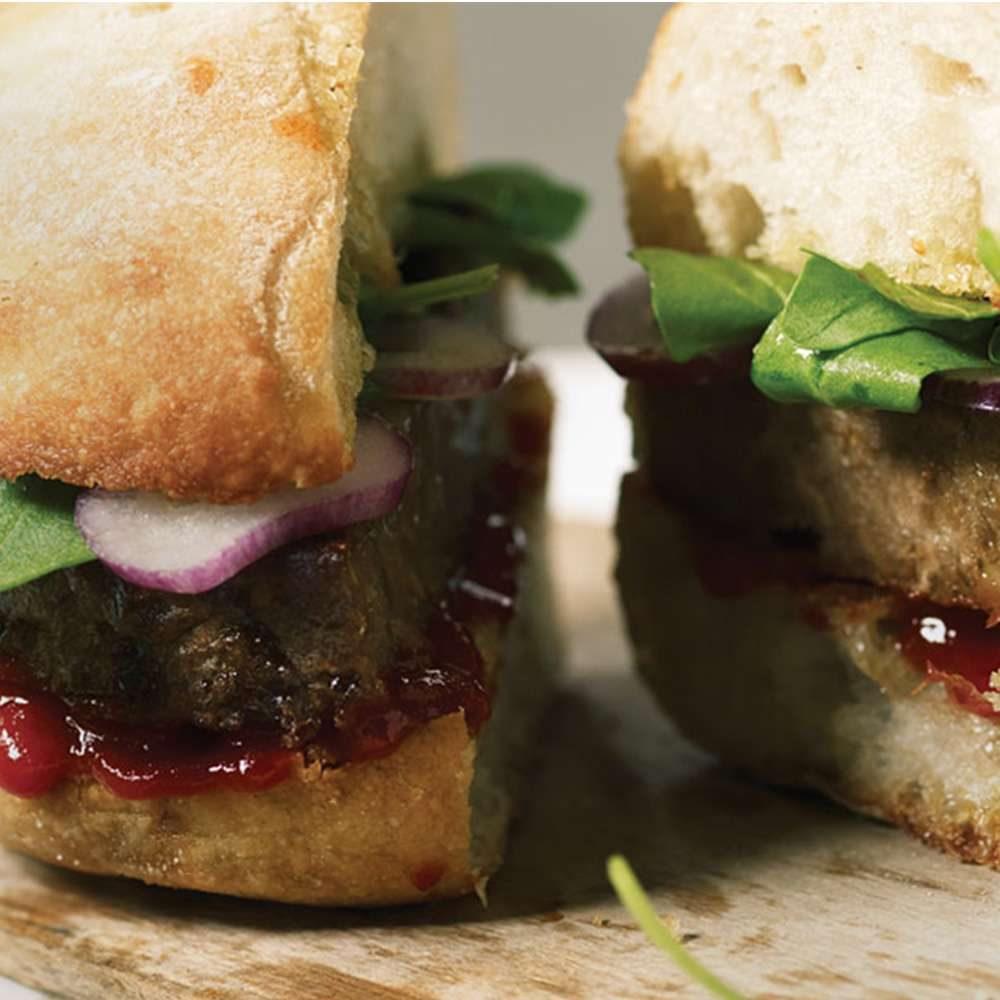hamburguesa vegetariana estilo cerdo