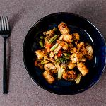 Receta de salpicón de Heura, verduras y aguacate